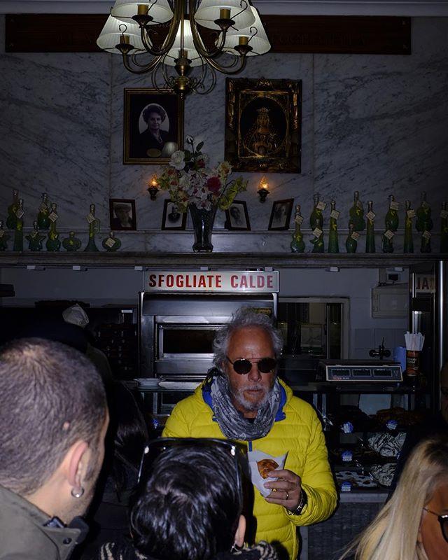 NAPOLI - #INYOURFACE ————————————-//————- #naples #pizza  #reportage #napoli #fujifilm_xseries#repostmyfuji#igers#contrast#flash #photography#photooftheday#instagram#instalove#wanderlust #instagood#travel#travelgram#wanderlovers#food