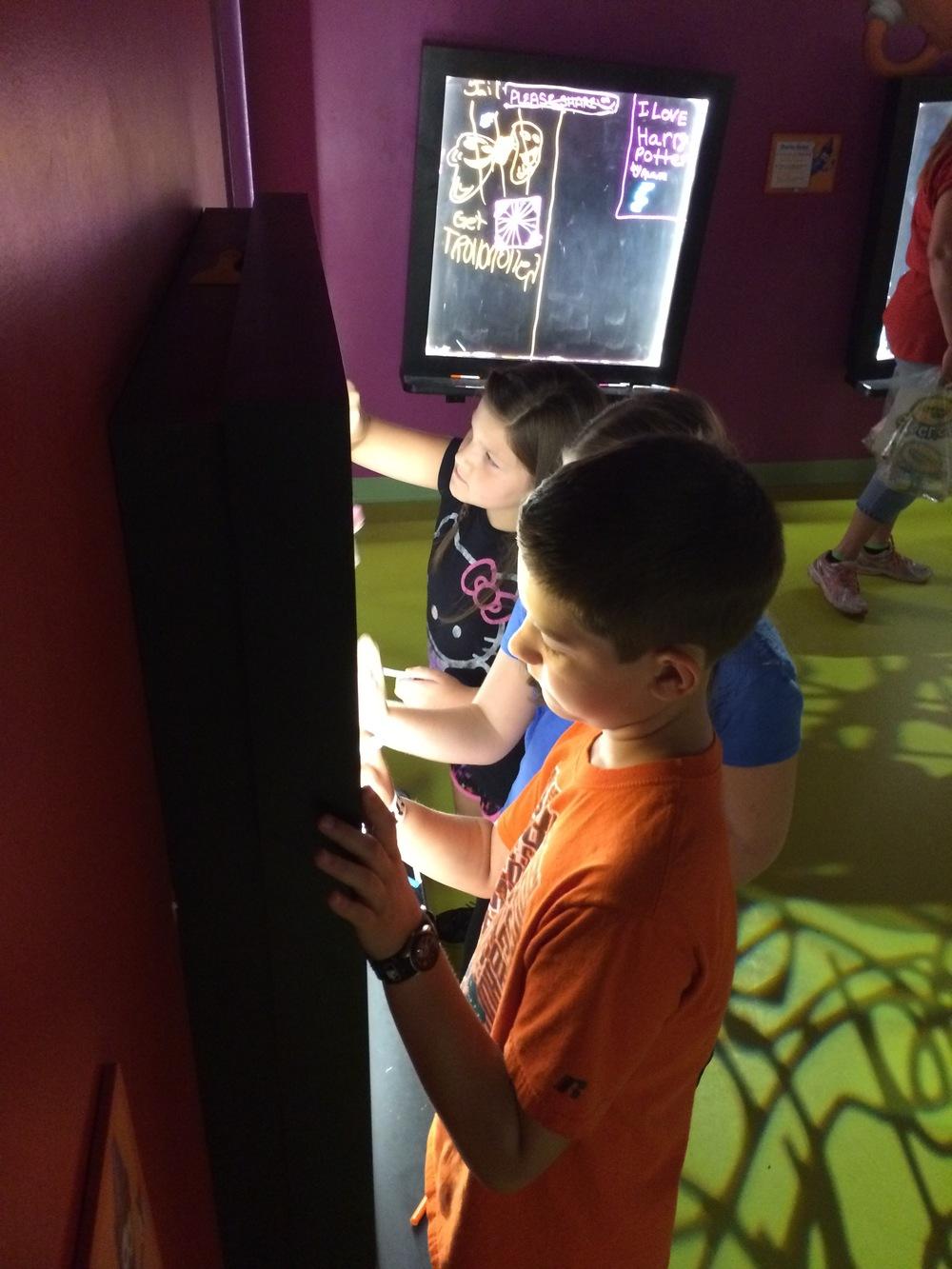 Crayola Experience Orlando, FL DOODLE IN THE DARK
