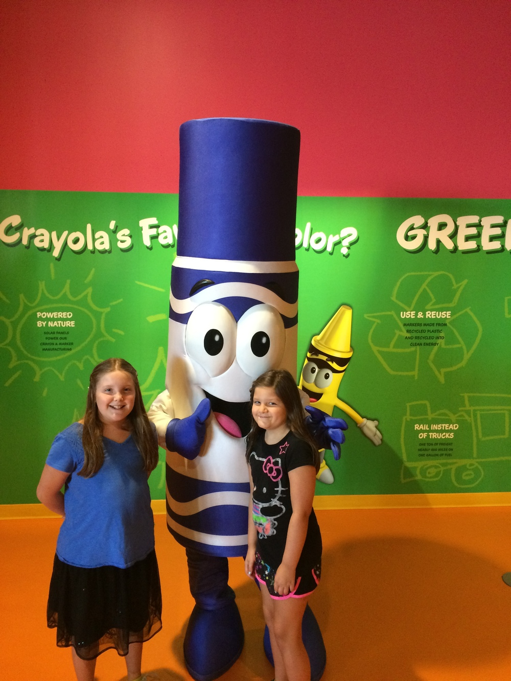 Crayola Experience Orlando, FL   CAFE CRAYOLA Photo Op with the Blue Crayola Marker