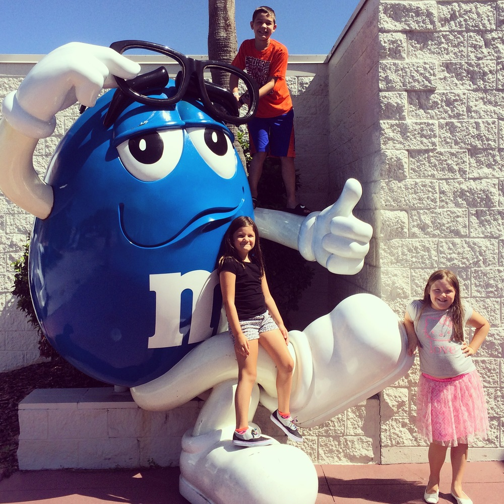 Outside the M&M's World