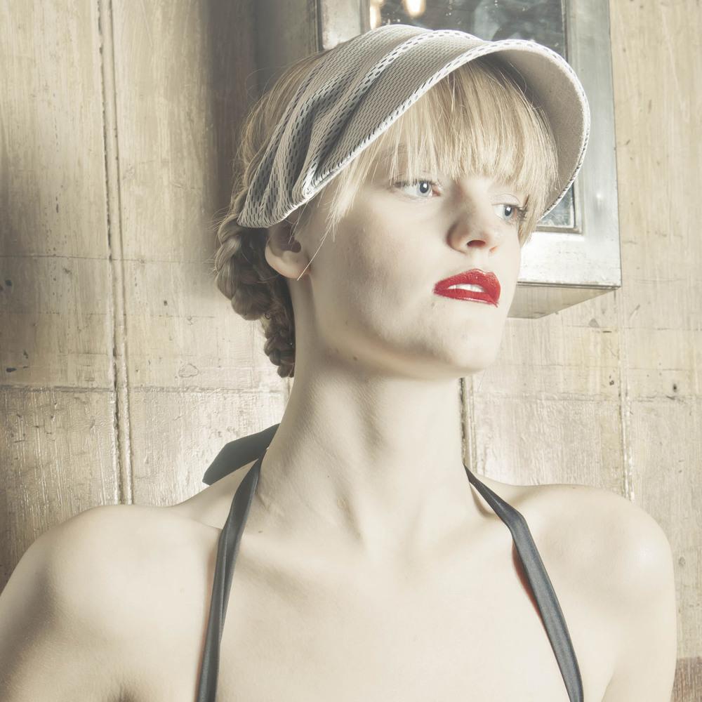 'Velo' sun visor