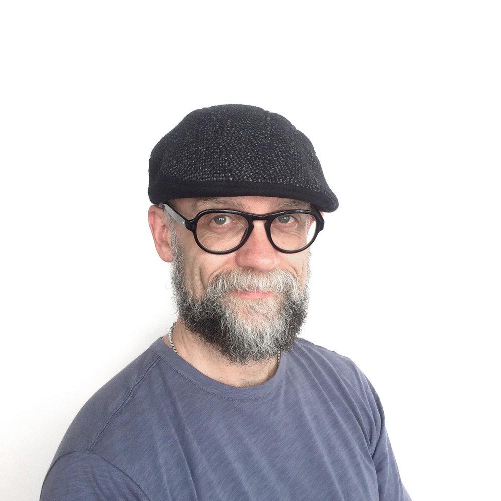 James wears 'Gower' beret-cap in Linton tweed   buy online