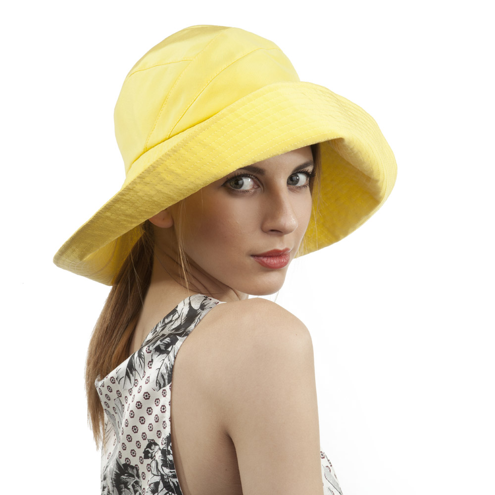 'Mia' sun hat in yellow silk