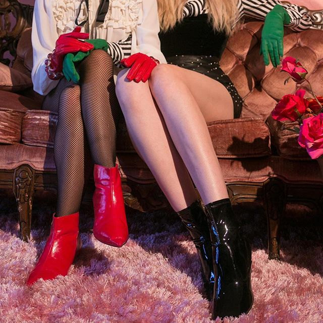 Legs 🌹  Models: @nataliakoreshkova and Lyena Kang  Style: @savannakc . #taylorlewisphoto #laphotographer #legs #model