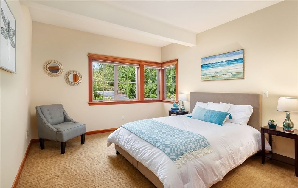 Vashon Craftsman Bedroom