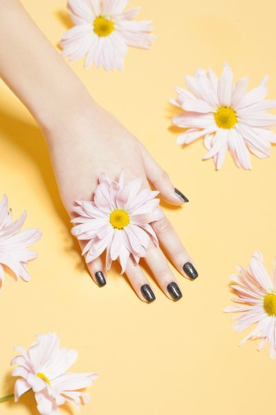 charlotteaudreyowenmeehan :     Spring Nail Styles by Refinery 29