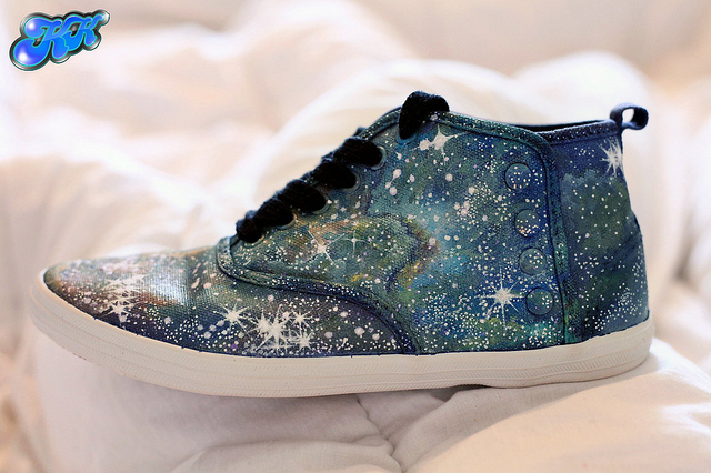 artpixie :      Nebula shoes - Painted by hand  (by  Alexandra Sophie )     Fabulous!!