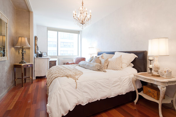 sweethomestyle :      vainbuthonest : Coco Rocha's bedroom.