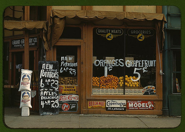 Grand Grocery Co. , 1941     Nebraska, USA