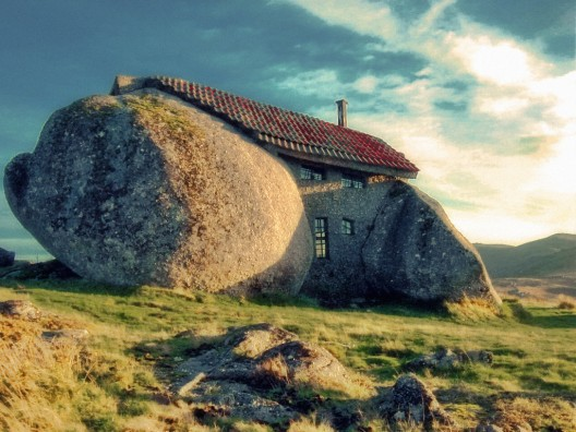 sweethomestyle :      Portugal's Stone House | ArchDaily