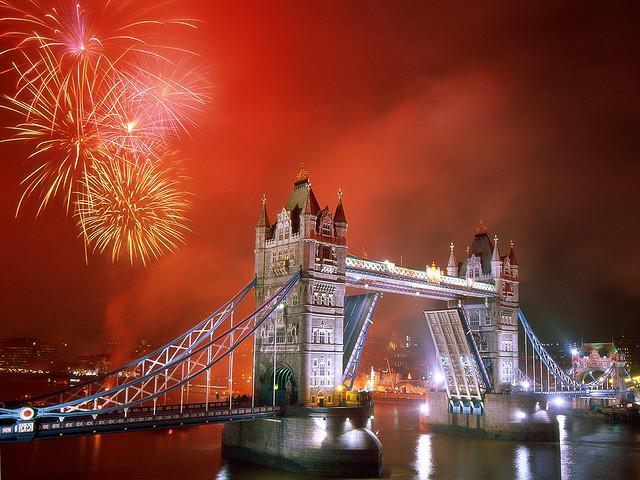 allthingseurope :     Tower bridge, London, England   by  kruhme