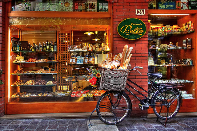 theworldwelivein: Pasticceria | Malcesine, Veneto, Italy © Allan Stodd
