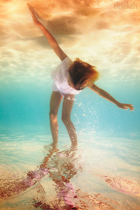 photojojo: Yep, we definitely need to learn how to hold our breath underwater longer. Elena Kalis - Underwater