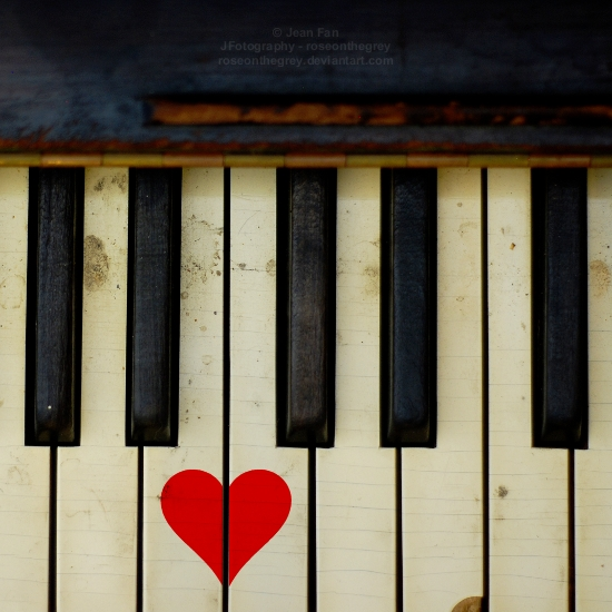 (via lauraloveslife: grace-notes: keys to my heart) This image reminds me of @hitrecord. Love love :)