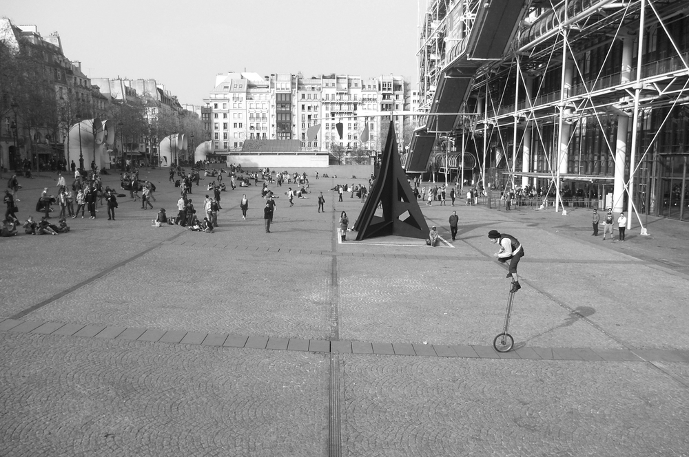 Street performer outside of Centre Georges Pompidou, Paris, France. 2012