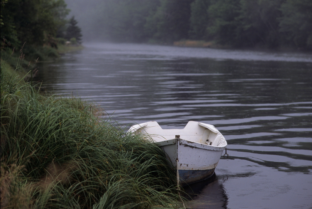 Row boat on petite rivier.jpg