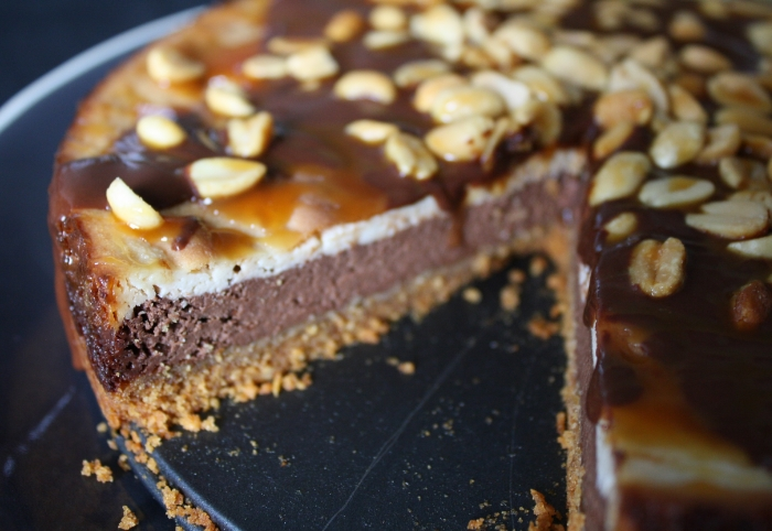 Vegan Lass Baked Snickers Cheesecake 3