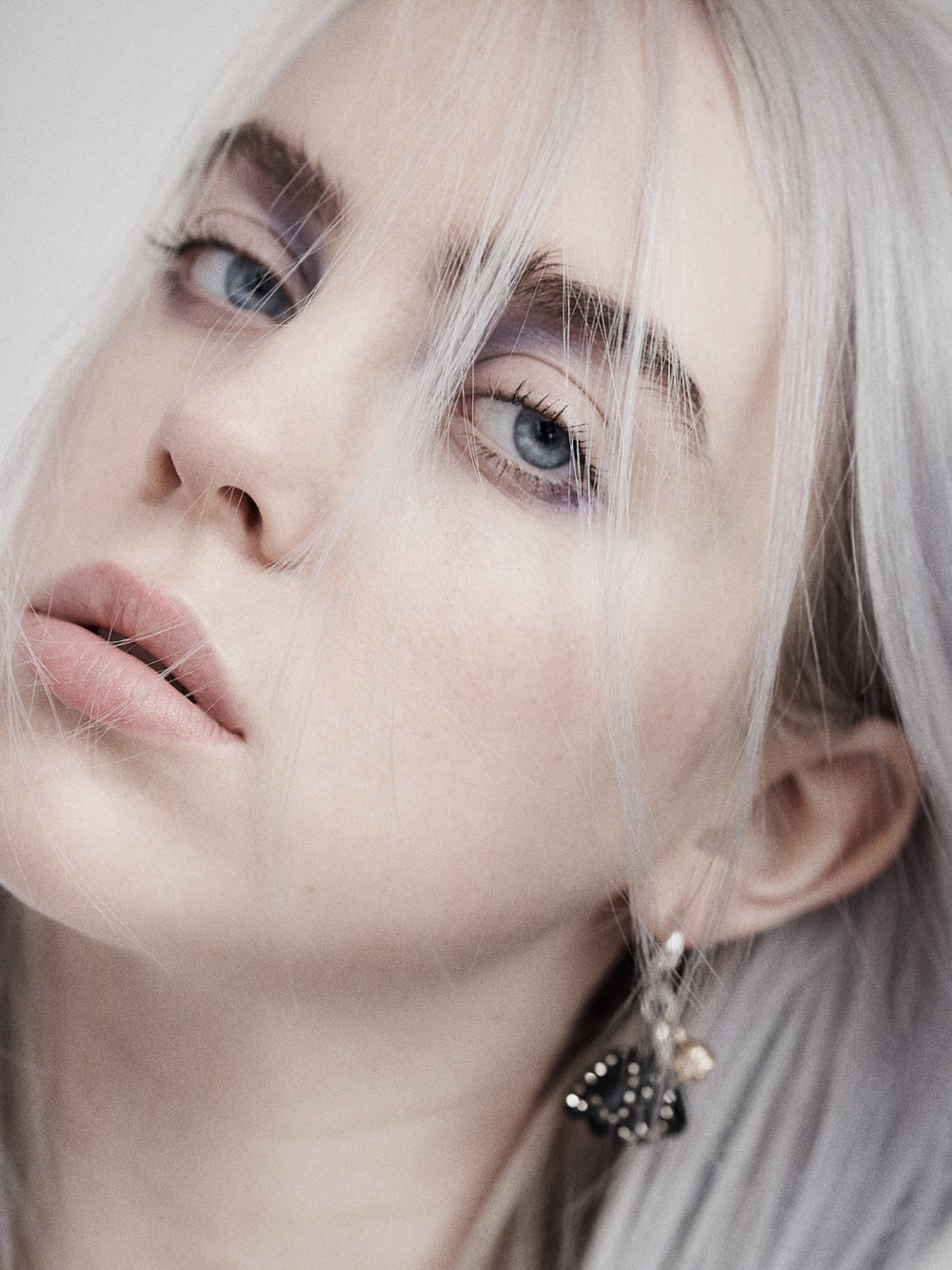 Billie_Eilish_James_ryang.jpg