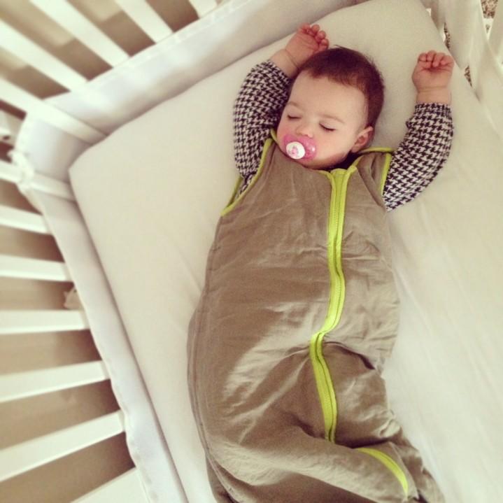 Baby deedee sleep sack