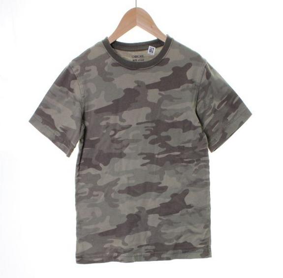 Cherokee camo T-shirt // size M (8) // $2.99