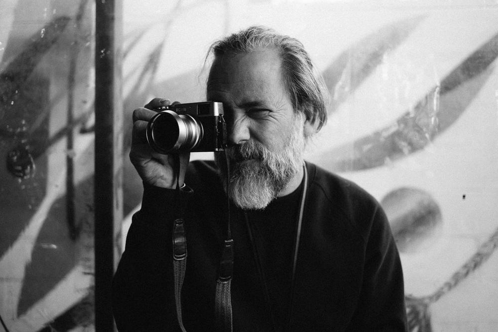 Simon with Morgan's Fujifilm X100T.