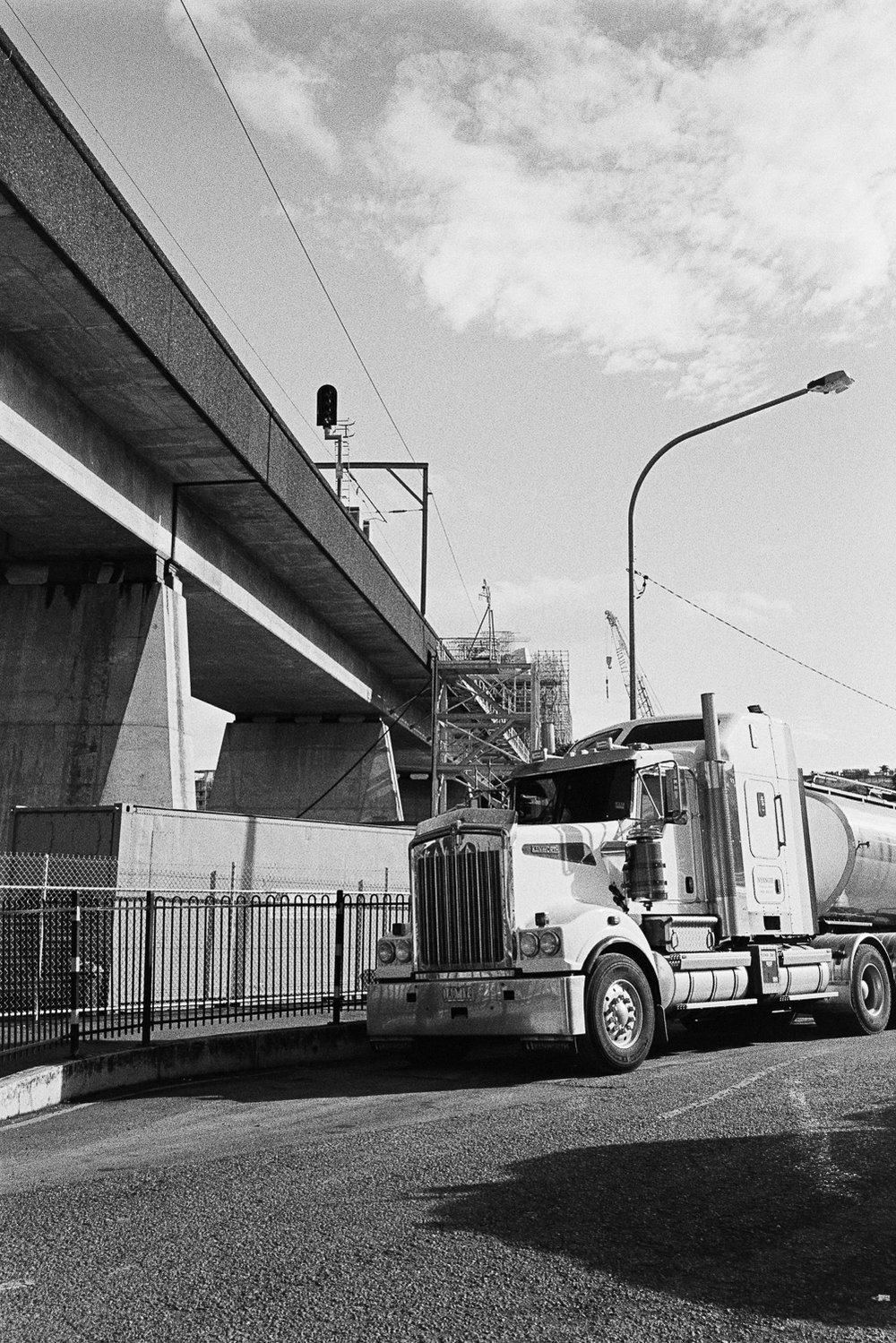 20170612 - Roll 139 - 022-Nick-Bedford,-Photographer-Black and White, Film, Kodak Tri-X 400, Leica M7, Merivale Rail Bridge, Rodinal, South Brisbane, Street Photography, Voigtlander 35mm f1.7 Ultron Aspherical.jpg