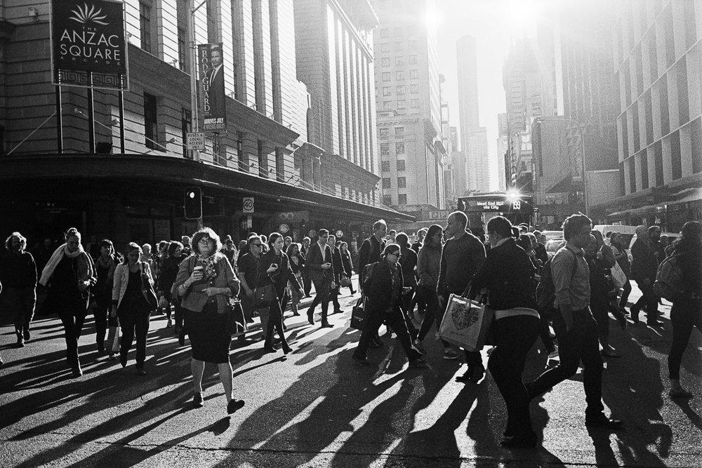 Anzac Square Rush Hour — Leica M7, Voigtländer 35mm F1.7, Kodak TX400