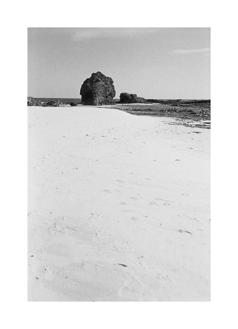 20181103 - Roll 263 - 019-Nick-Bedford,-Photographer-Black and White, Currumbin Rocks, Kodak TRI-X 400, Leica M7, Seascape, Voigtlander 35mm F1.7.jpg