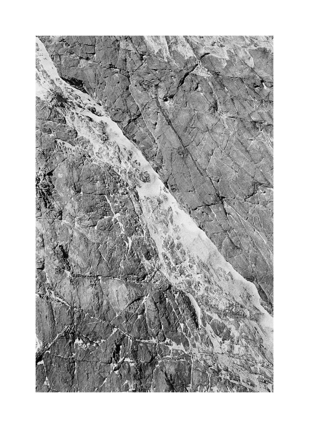 20181103 - Roll 263 - 029-Nick-Bedford,-Photographer-Black and White, Currumbin Rocks, Kodak TRI-X 400, Leica M7, Seascape, Voigtlander 35mm F1.7.jpg