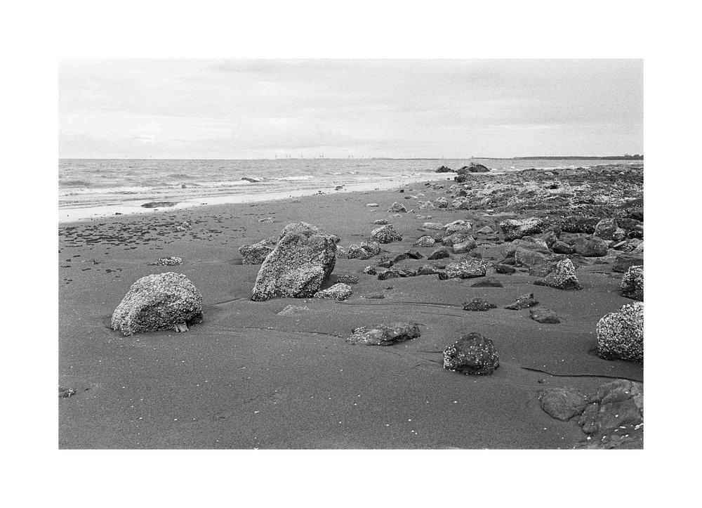 2018106 - Roll 252 - 033-Nick-Bedford,-Photographer-Black and White, Kodak TRI-X 400, Landscape Photography, Leica M7, Seascape, Shorncliffe, Voigtlander 35mm F1.7.jpg