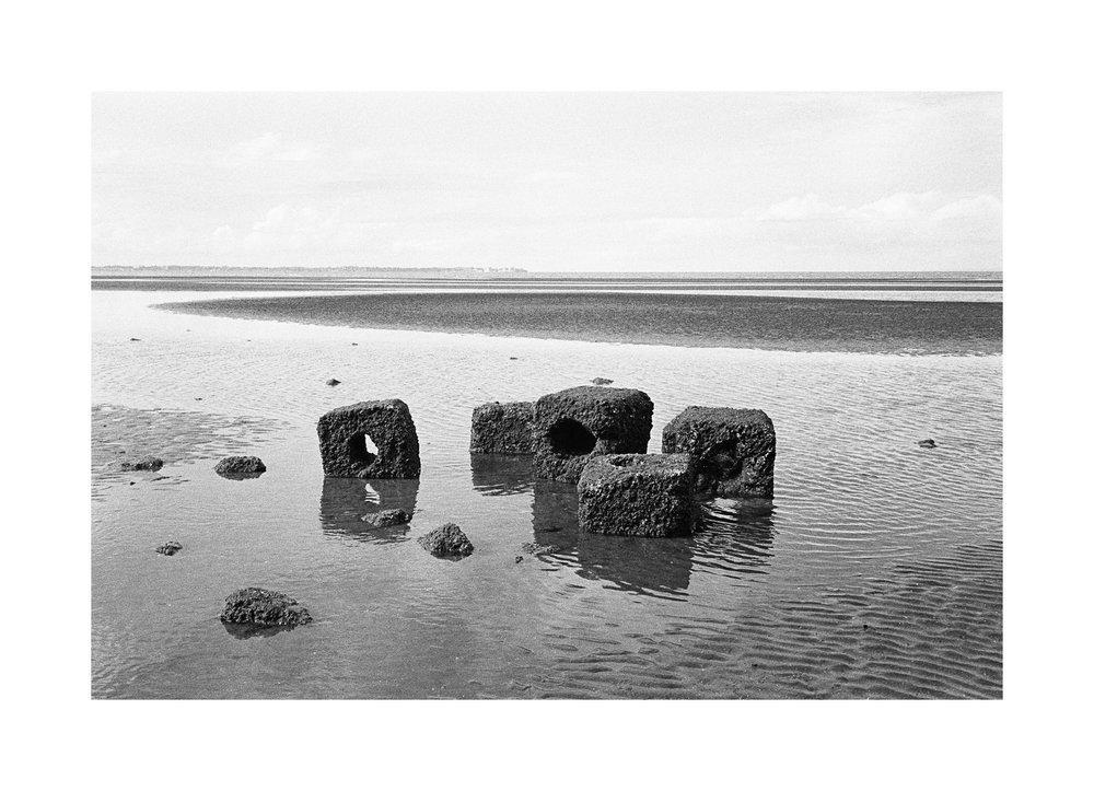 2018106 - Roll 252 - 019-Nick-Bedford,-Photographer-Black and White, Kodak TRI-X 400, Landscape Photography, Leica M7, Seascape, Shorncliffe, Voigtlander 35mm F1.7.jpg