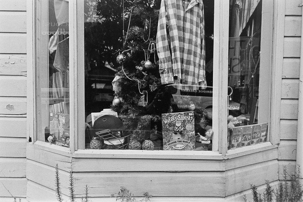 20190105 - Roll 269 - 003-Nick-Bedford,-Photographer-Black and White, Brisbane, Kodak TRI-X 400, Leica M7, Street Photography, Voigtlander 35mm F1.7.jpg