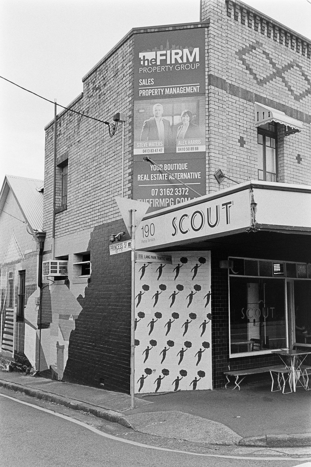 20181209 - Roll 267 - 003-Nick-Bedford,-Photographer-Black and White, Brisbane, Kodak TRI-X 400, Leica M7, Street Photography, Voigtlander 35mm F1.7.jpg