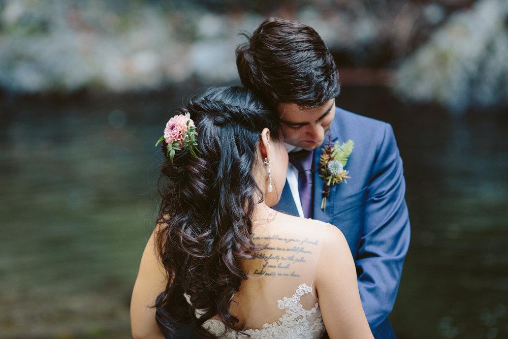 THEDELAURAS_big_sur_wedding_photographer_destination_wedding_rocky_point_elopement_lana_david219.jpg
