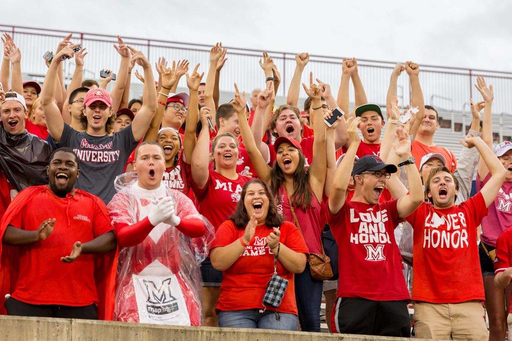 D01517 Football vs Eastern Illinois University