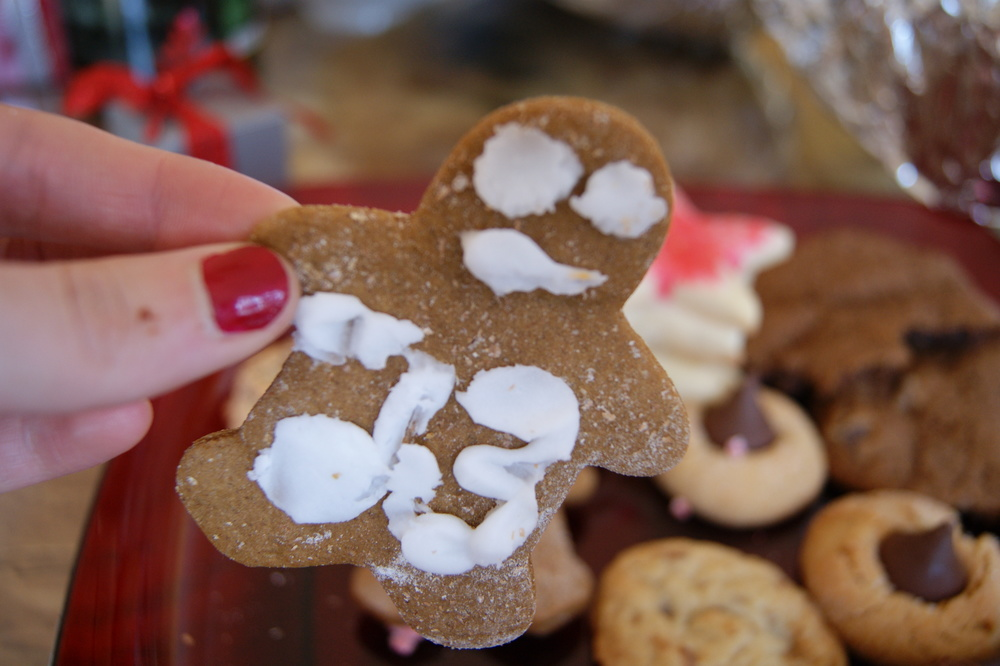 Joe's gingerbread men.  This one is Bears player, Devin Hester :)