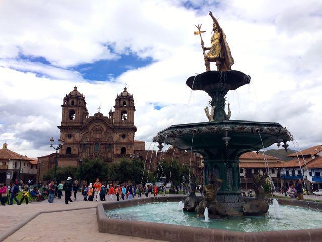 Plaza Des Armas 2.jpg