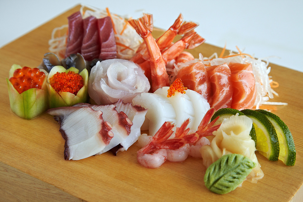 mixed sashimi platter copy.jpg