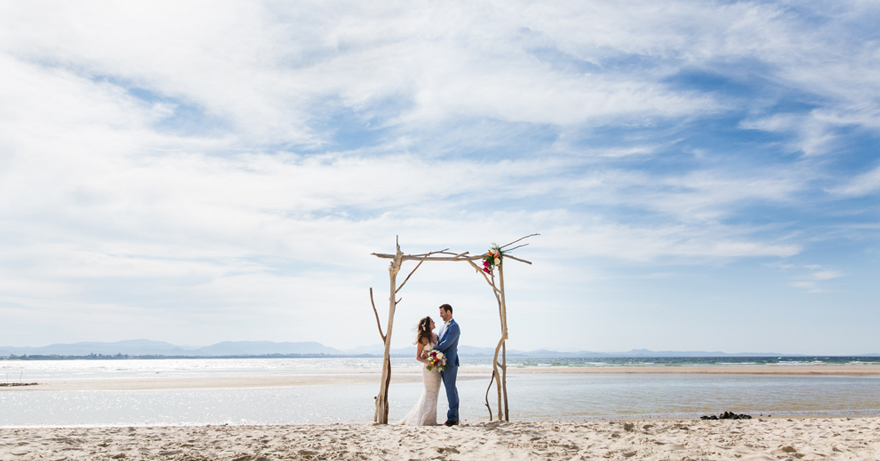 1-Byron-Bay-Wedding-Photography-T&S.jpg