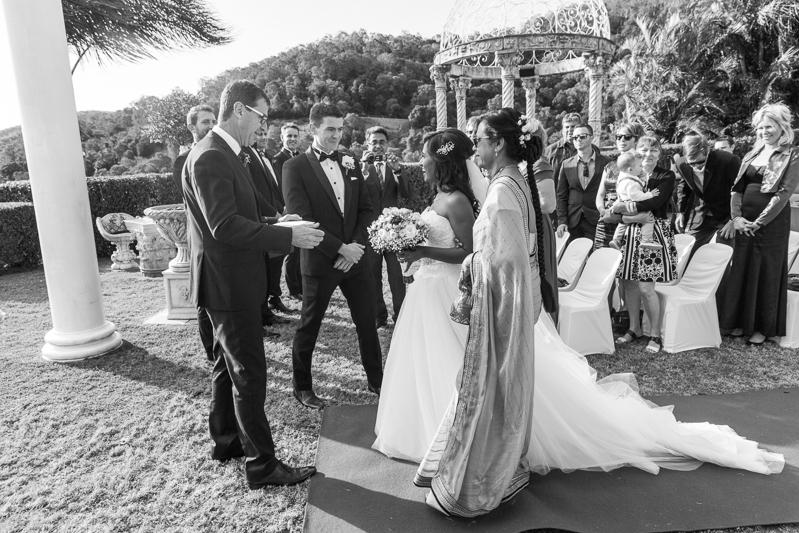 21-Glengariff_wedding_photographer-3.jpg