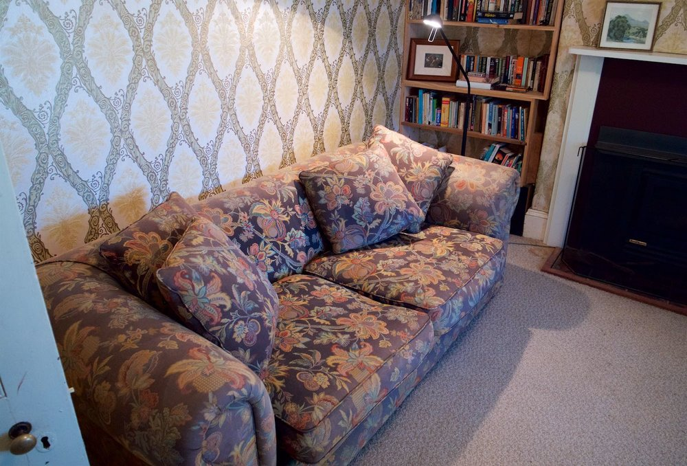 Additional sofabed in front room