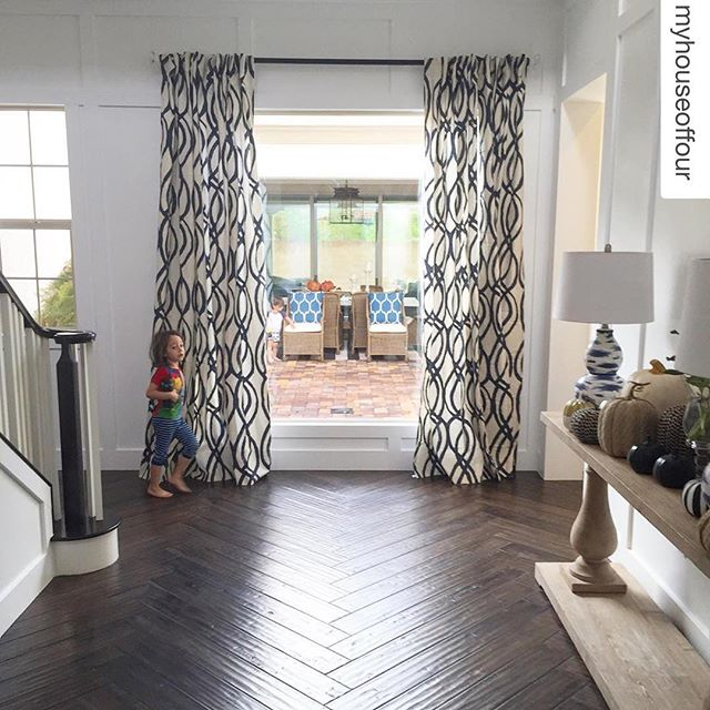 #RPBLQ #Repost @myhouseoffour ・・・ Morning - and Happy Sunday Everyone 🙌 I don't know about anybody else but for some reason when Fall comes I'm extra tired 🍁🍁🍂🍃😂 Just wanted to invite you all to share your Entry's or Mudroom - that space that you have defined as your Entry for family - friends **** We the #sixdegreesofseparation are hosting #leavenospaceunturned and love seeing all of your posts 🙌🙌 You have until Monday 8pm EST and remember follow all the six Hosts👆👆 Tap Pic for Host info 👆👆 And ask a few friends to share too!  Friends Sharon @alexsharon2000 Tammy @allrhodesleadhome Patricia @p.arruda would you like to share when you can Your Entry👆😃.