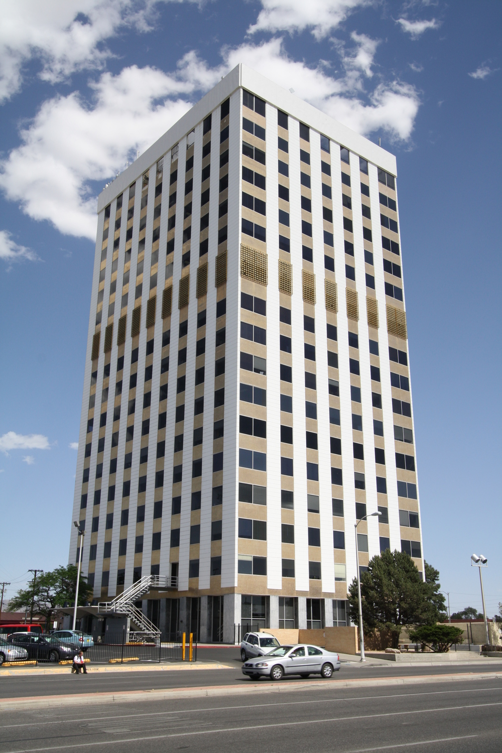 Bank of the West Tower - Albuquerque, NM - Built in 1963 - 17 Stories - Modernism Style - Commercial Office Use