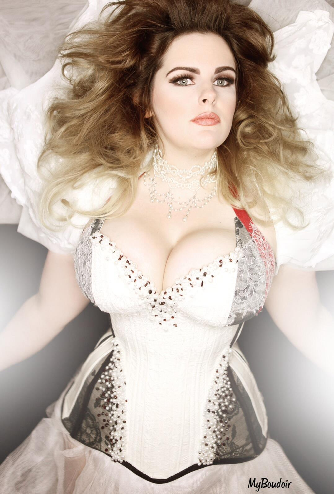 fc37d37d8d3 A plunge gored cup corset by Crikey Aphrodite worn by Evie Wolfe and  photographed by My