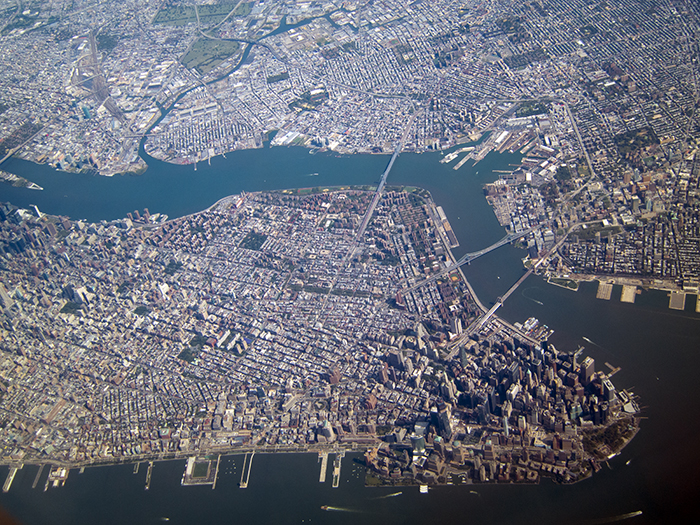 Manhattan-from-the-air.jpg