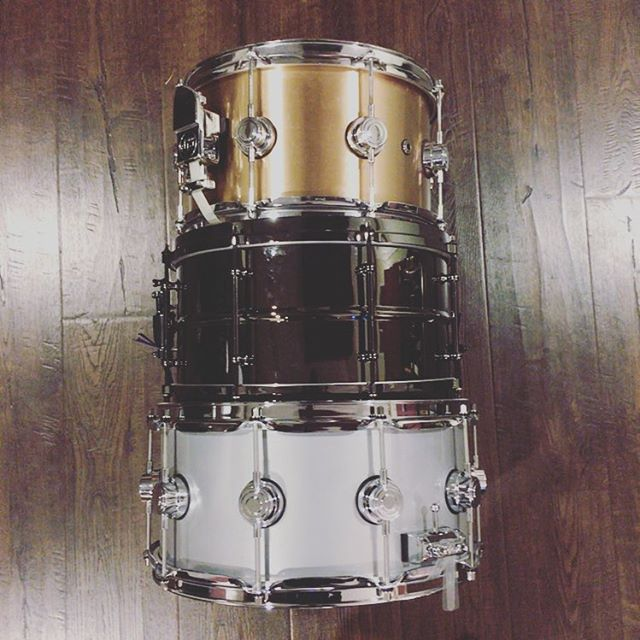 It's nice to have choices! @dwdrums 14x6.5 aluminum, @ludwigdrumshq 13x7 black over brass, @dwdrums 12x7 bell bronze!