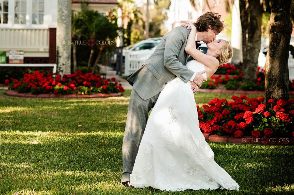 Palmetto Riverside bed and breakfast wedding, bride and groom, kiss, wedding photography, bradenton wedding venues