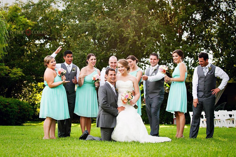 Tampa wedding photographer, Davis Island Garden Club weddings, In True Colors Photography, Garden Weddings, Tampa Weddings, Outdoor weddings Tampa, bridal party, Bridal Party poses ideas
