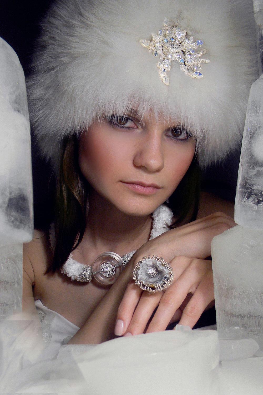 1. гарнитур Кристаллы льда, 2011.jpg