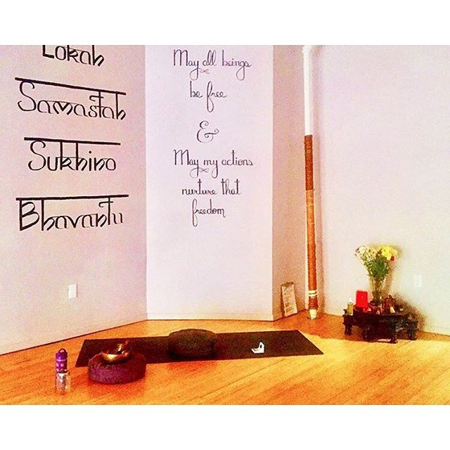 Since we'll be closed next Monday for Memorial Day, join us tonight for our last Candlelight Flow 715pm with @_taylorjeanne_ before we say goodbye on May 31st. 💕See you on the mat! photo via @susanrossstudio